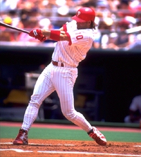 'Hitting home runs rules!' Darren Daulton thought, 'But what rules even more are readers' suggestions!'